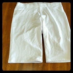 Faded Glory L 12/14 White Stretchy Bermuda Shorts